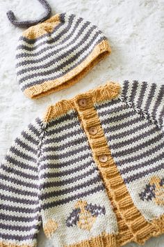 bumblebee sweater and hat (free pattern link included in post)