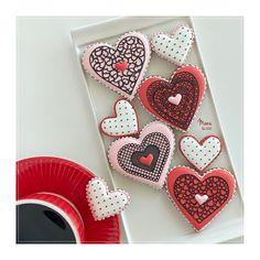 Happy Valentine's Day! | Manu Valentine Cookies, Iced Cookies, Cookie Decorating, Dots, San Valentino, Pretty, Happy, Instagram, Stitches