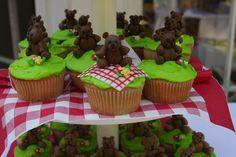 Bear picnic cupcakes!
