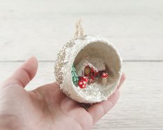 Modern Christmas, Christmas Crafts, Christmas Decorations, Christmas Tree Baubles, Xmas, Christmas Shadow Boxes, Favorite Holiday, Craft Ideas, Crafty