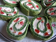 rulada de spanac New Recipes, Cooking Recipes, Tasty, Yummy Food, Cucumber, Sushi, Cheesecake, Food And Drink, Appetizers