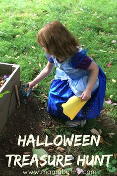 Make a super easy, inexpensive Halloween Treasure Hunt for the kiddos!