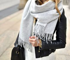 Minimal + Chic | Plain scarf and leather jacket are the winter must-have.