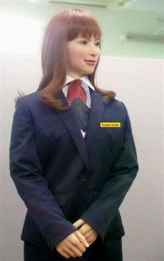 New Huis Ten Bosch hotel to be 90% run by robots. Here's the receptionist. (-, Sankei, 27 January 2015)