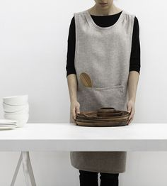 Curved Crossback Linen Apron