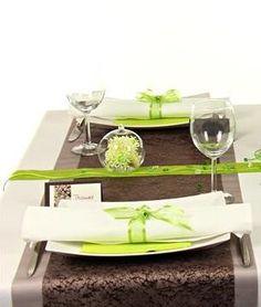 Tischdeko grün und braun, die Tischdeko in einer 360° Ansicht kannst Du dir hier ansehen: http://www.trendmarkt24.de/dekoartikel.tischdeko.tischdeko-nach-farben.tischdeko-gruen.tischdeko-gruen-braun.html#p