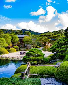 Luxury Garden Homes Pond Landscaping, Landscaping Company, Luxury Landscaping, Japenese Garden, Adachi Museum Of Art, Glasgow, Bonsai, Japan Garden, Japanese Landscape