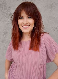 Gorgeous Medium Red Haircuts with Bangs for Women 2020 Haircuts For Medium Hair, Haircuts With Bangs, Medium Hairstyles, Latest Hair Color, Trending Haircuts, 2020 Vision, Hair Inspo, Hair Lengths, Hair Trends