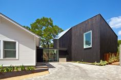 2014 Remodeling Design Awards: Merit Award: Hillside Residence #2014RDA #HomeRemodel #MultifunctionalSpace