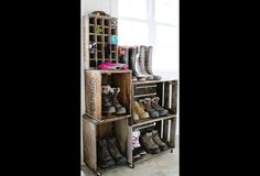 Love this cool Repurposed DIY Vintage Crate Boot Rack idea from Laura Screw together a few old crates from a flea market or antique store, add some wheels, and you've got a custom mudroom or entry way catchall! Ikea Crates, Old Crates, Diy Garage Door, Garage Door Makeover, Diy Shoe Rack, Shoe Storage, Shoe Racks, Diy Storage, Storage Ideas