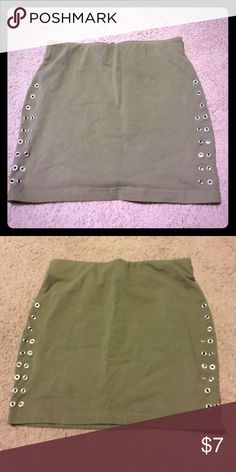 $4! FREE WITH PURCHASE Mini skirt Green mini skirt photos of back and front H&M Skirts Mini