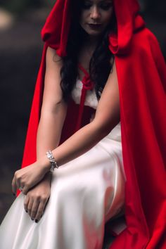 This reminds me of Liz X from Dr. Who Wedding Style inspiration | Red Riding Hood Noir