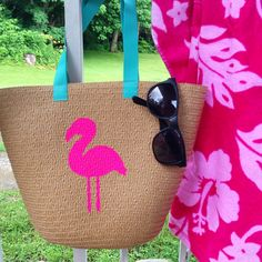 Cool Summer Fashion for Teens - DIY Flamingo Tote - Easy Sewing Projects and Sewing No Crafts for Fu Sewing Projects For Kids, Sewing For Kids, Diy Craft Projects, Diy Crafts, Crafts For Teens To Make, Diy For Teens, Diy Ombre, Diy Galaxie, Summer Fashion For Teens