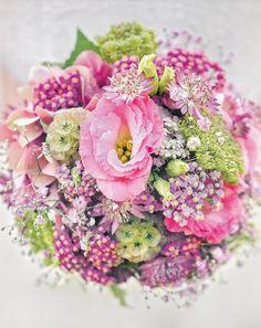 - Brautsträuße mehrfarbig                                                                                                                                                      Mehr
