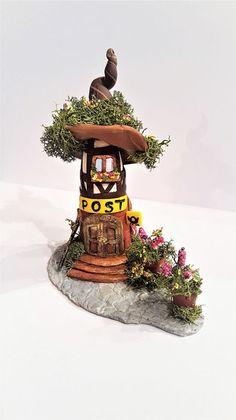 Figuren - Wichtel Häuschen Postamt - ein Designerstück von kleineBastelelfe bei DaWanda