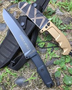 Стена Benchmade Knives, Tactical Knives, Tactical Gear, Cool Knives, Knives And Tools, Military Knives, Survival Knife, Special Forces, Kitchen Knives