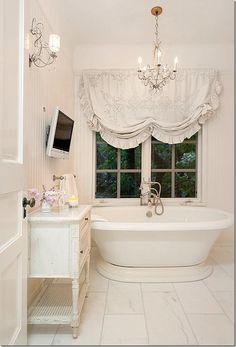 Marble look alike porcelain tile in M. bathroom