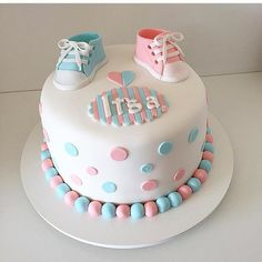 Gender reveal cakes are one of the hottest cakes around these days. Simply cut into the cake and the colour of the inside will reveal whether you're e. Baby Shower Cakes Neutral, Idee Baby Shower, Baby Shower Cake Pops, Baby Shower Gifts For Boys, Baby Shower Parties, Baby Boy Shower, Gender Party, Baby Gender Reveal Party, Baby Reveal Cakes