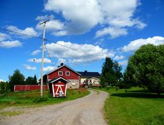A farm in Kivijärvi, Finland (Huom! Maitolaituri ja tonkka.)