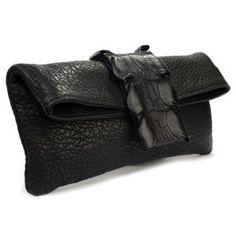 Cartera de mano de piel negra y piel de cocodrilo www.sanci.es Fashion, Clutch Purse, Banners, Hands, Purses, Black, Handbags, Moda, Fashion Styles