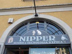 Nipper Milano Navigli Market Mercato Antiquario di Navigli