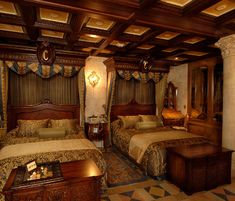 Beds in Cinderella's Castle Suite - Image courtesy Walt Disney World