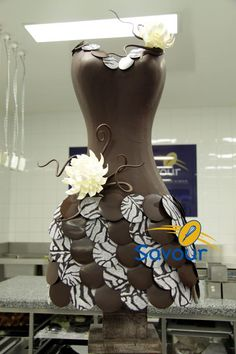 Lovely chocolate fashion sculpture from Savour School in Melbourne Chocolate Week, Divine Chocolate, Chocolate Dreams, I Love Chocolate, Chocolate Art, Chocolate Factory, Chocolate Gifts, Chocolate Lovers, Chocolates