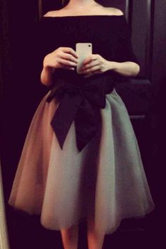Elegant Boat Neck Long Sleeve T-Shirt + Bowknot Embellished Midi Skirt Twinset For Women