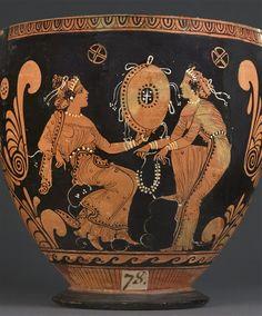 Peintre du Louvre K 236 Skyphos à figures rouges Vers 380 - 370 avant J.-C. Campanie ou Sicile H. : 25,50 cm. ; L. : 39,60 cm. ; D. : 25,70 cm. Face A : Femme et satyre. Face B : Deux femmes.