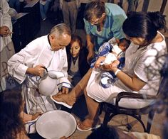 Cardinal Bergoglio, Pope Francis, washing the feet of a postpartum Mom. Doula work extraordinaire!