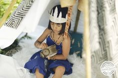 © STUDIO PHOTO PIERRE 2 LUNE -  Poetic teepee into the wild dream catcher, paper feathers, teepee and squaw
