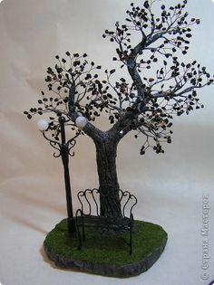 """Поделка, изделие Бисероплетение: Дерево """"В парке на скамье"""". Гипс. Фото 1"""