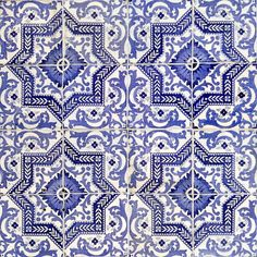 Azulejos do Porto, Portugal Pretty Patterns, Tile Patterns, Beautiful Patterns, Textures Patterns, Color Patterns, Love Blue, Blue And White, Art Deco, Ivy House