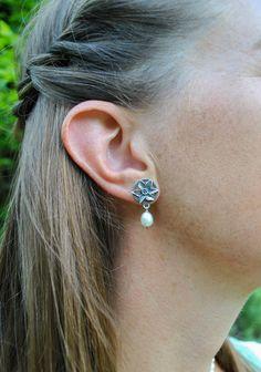 Silberschmuck, Ohrschmuck, Perlen, Tracht Schmuck Online Shop, Jewelry, Fashion, Pearls, Earrings, Silver Stud Earrings, Daffodils, Ear Jewelry, Gemstones