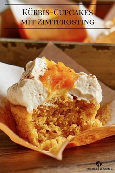 Pumpkin Cupcakes with Cinnamon Frosting Cheesecake Recipes, Cupcake Recipes, Dessert Recipes, Desserts, Recipe Maker, Sweet Bakery, Pumpkin Cupcakes, Cakes And More, No Bake Cake