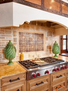 If you like the look of warm, welcoming old-world homes, Spanish kitchen style might be the right style for you. We've already explored some of the best Spanish kitchen designs. Kitchen Tiles, Kitchen Colors, New Kitchen, Kitchen Decor, Mexican Tile Kitchen, Hacienda Kitchen, Mexican Kitchens, Colonial Kitchen, Mexican Tiles