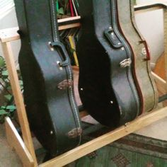 Five E Acoustic Or Eight Electric Guitar Cases Stand