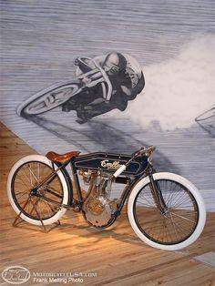 Nice little motorcycle / bike