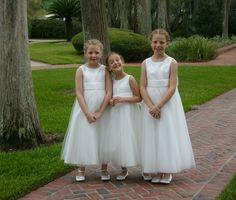 From a destination wedding at Cypress Grove Park, Orlando: 3 adorable flower girls!   #orlandowedding #orlandoharpplayer #flowergirls