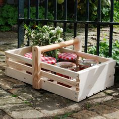 Here's a way to have some fun with your power tools and be eco-friendly at the same time. We've put together a selection of eco-friendly garden craft projects that will save you money and make gardening easier! Diy Wood Projects, Wood Crafts, Projects To Try, Wooden Tool Boxes, Wood Boxes, Woodworking Bed, Woodworking Projects, Woodworking Videos, Garden Tool Storage