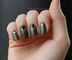 Manucure kaki, or, noir avec les studs texturés Née Jolie - Les ongles de Laure…