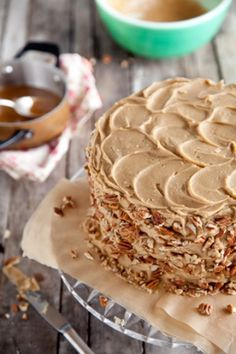 Chocolate Pecan Layer Cake: looks yummy, but since it's a Paula Deen recipe, it'll probably give me an early heart attack!
