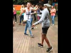 Shuffle Dance Battle - Rave and Shuffle Video Konijnendans Shuffle Dance Lernen, Z Music, Rave Dance, Dancing Baby, Dance Videos, Dance Moves, Body Fitness, Total Body, My Passion