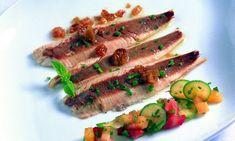 Receta de Sardinas asadas con verduras, frutas de verano y vinagreta de agraz verjus.