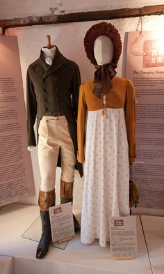 Costumes worn by Colin Firth (Mr. Darcy) and Jennifer Ehle (Elizabeth Bennet) Period Costumes, Movie Costumes, Historical Costume, Historical Clothing, Jennifer Ehle, Jane Austen Books, Elizabeth Bennet, Mode Vintage, Pride And Prejudice