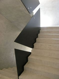 Triangle railing, by Małgorzata Pizio-Domicz and Antoni Domicz Interior Stair Railing, Staircase Handrail, Railing Design, Banisters, Staircase Design, Balustrades, Stair Detail, Beautiful Home Designs, Modern Stairs