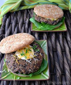 Spicy Quinoa Black Bean Burgers with Chipotle Mayo - quick meatless Monday meal and full of flavor.