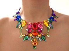 Flotante arco iris Rhinestone ilusión declaración collar babero, collar colorido declaración Jeweled, ilusión collar, collar babero de arco iris