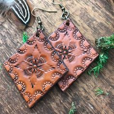 Hand Tooled and Dyed Leather Jewelry by RedPonyLeatherGoods Leather Art, Leather Pieces, Leather Design, Leather Tooling, Tooled Leather, Brown Leather, Custom Leather, Handmade Leather, Leather Crossbody