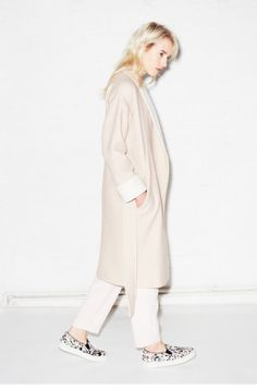 monochromatic dressing, pale shades of pink and white